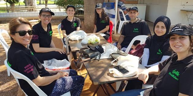 İyilik Gönüllüleri Güzelyurt Pazarında yaşlılara yardım etti