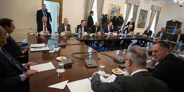 """""""Kıbrıs sorununun özünden uzaklaşıyor"""""""