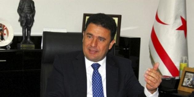 """Saner: """"Rum Başkanlık Konseyi'nin hidrokarbon aramaları ile ilgili bir ortak komite kurulması önerisini reddetmesi Kıbrıs'ta bir anlaşmaya ulaşılmasına vurulmuş yeni bir darbe"""""""