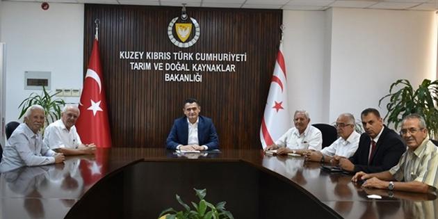 Tarım Bakanı Oğuz Kuzey Kıbrıs Narenciye Üreticileri Birliği heyetini kabul etti