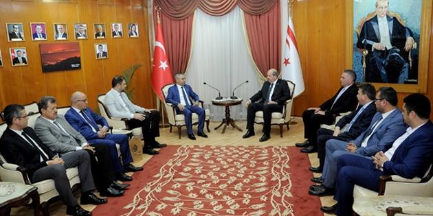 Başbakan Tatar, Silifke Ticaret ve Sanayi Odası Yönetim Kurulu Başkanı Nurettin Kaynar ve beraberindeki heyeti kabul etti