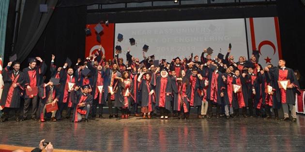 Yakın Doğu Üniversitesi Mühendislik Fakültesi 22. dönem güz mezuniyet töreni gerçekleştirildi