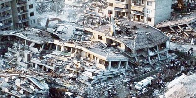 """İMO: """"İnsanları depremler değil, yıkılan binalar öldürür"""""""