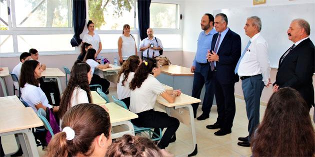 Çavuşoğlu, İskele Bekirpaşa Lisesi'nde yeni eğitim öğretim yılının açılışını gerçekleştirdi