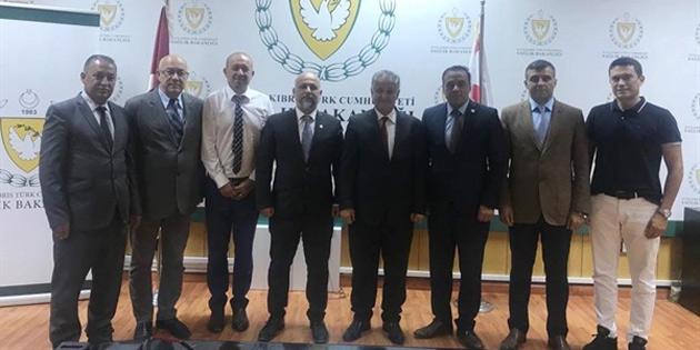 Sağlık Bakanı Pilli, İŞAD heyetiyle görüştü