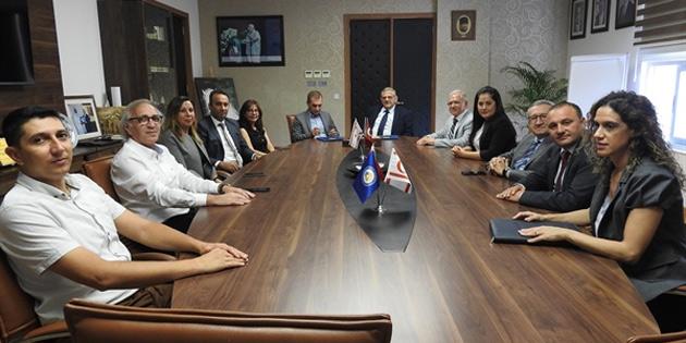 DAÜ ile Kuzey Kıbrıs Sigorta Reasürans Şirketler Birliği arasında iş birliği protokolü imzalandı