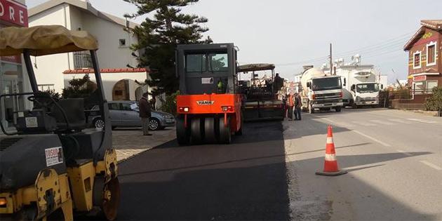 Girne Uğur Mumcu Caddesi üzerinde yol genişletme ve asfalt çalışması gerçekleştirildi