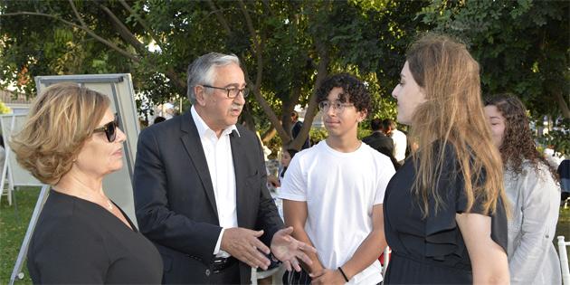 """Cumhurbaşkanlığında toplum ve gençlik sorunları """"Gençler öneriyor"""" çalışmasıyla masaya yatırıldı"""