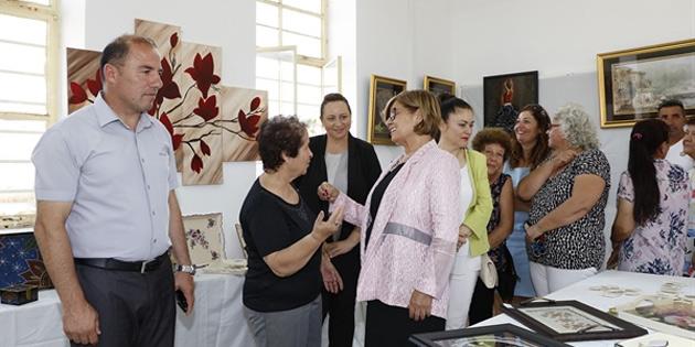 Akova Köy Kadın Kursu Sergisi Meral Akıncı tarafından açıldı