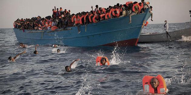 Yenierenköy açıklarında mülteci teknesi battı