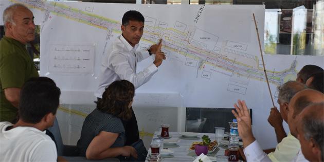 Alsancak Belediyesi, çevre yolu konusunda esnafla bilgi alışverişinde bulundu