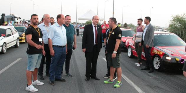 Başbakan Tatar, drag yarışı etkinliğine katıldı