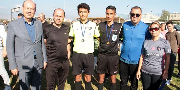 Başbakan Tatar Ada Gökçe Anı Turnuvasını izledi