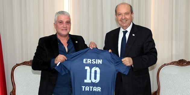 Başbakan Ersin Tatar Doğan Türk Birliği Spor Kulübü'nü kabul etti