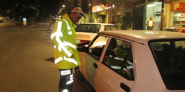 672 aracı kontrol eden polis 153 sürücüye ceza kesti, bir aracı da trafikten men etti