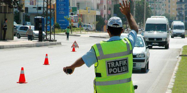 Trafikte 363 sürücü süratli araç kullanmaktan rapor edildi