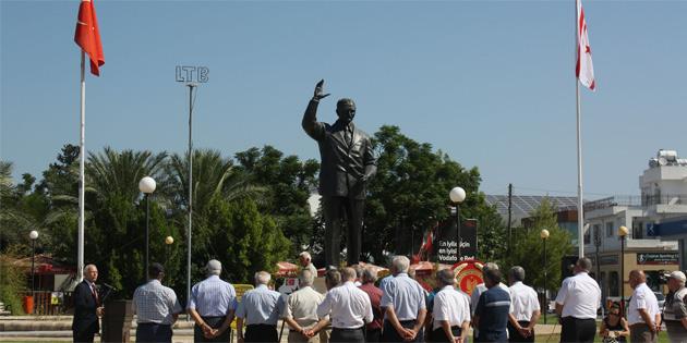 Bülent Ecevit Lefkoşa'da düzenlenen törenle anıldı