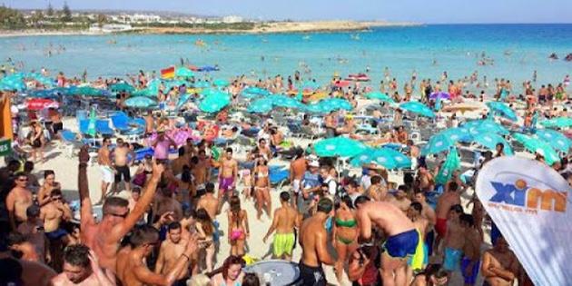 Rum kesimi 2020'de bir önceki yıla göre 3.3 milyon turist kaybetti