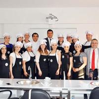 DAÜ'de Dünya Mutfakları Kursları Başladı