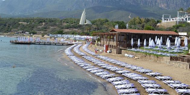 Plajların kullanım ve denetim yasası'nın uygulanması için Başbakan'ı göreve çağırdı