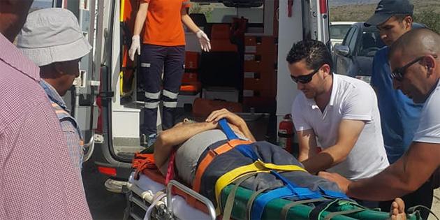 Su tankeri devrildi sürücü yaralandı