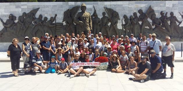 Lefke Çevre ve Tanıtma Derneği, Çanakkale Şehitliği'ni ziyaret etti