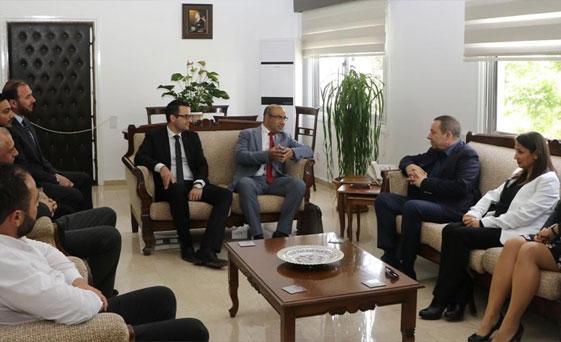 Başbakan Yardımcısı Denktaş, KITOB Yönetimini kabul etti