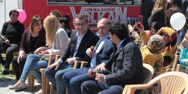 Başbakan Erhürman, eşi Nilden Erhürman ile birlikte, Ela Özel Eğitim ve Rehabilitasyon Merkezi'nde düzenlenen Bahar Gülleri Çocuk şenliği'ne katıldı