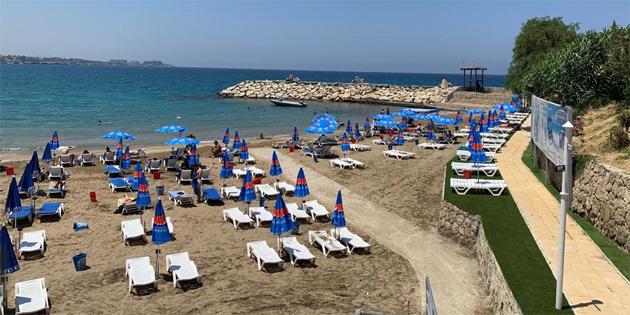 Kervansaray Halk Plajı yeniden düzenlenerek hizmete açıldı
