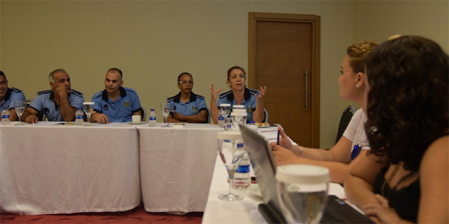 """""""Şiddete karşı yan yana"""" projesinin ilk eğitimi LTB personeline verildi"""