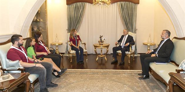 Cumhurbaşkanı Akıncı, Lefkoşa İzcilik Derneği heyeti ile görüştü