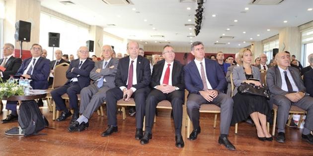 """""""Kıbrıs'ta Son Söz"""" paneli sürüyor"""