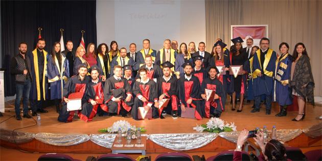 YDÜ İletişim Fakültesi mezuniyet töreni yapıldı