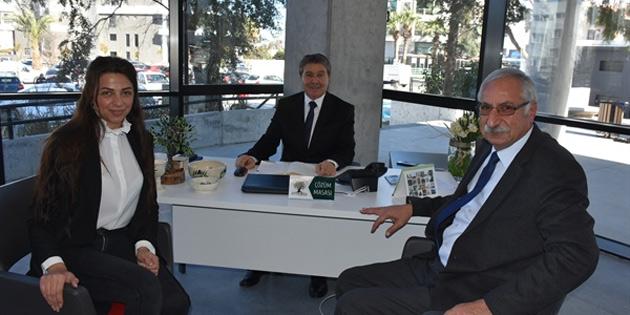 Turizm ve Çevre Bakanı Üstel Girne Belediye Başkanı Güngördü'yü ziyaret etti