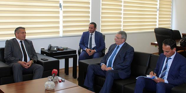 İçişleri Bakanı Evren, Gazimağusa Belediyesi'ni ziyaret etti