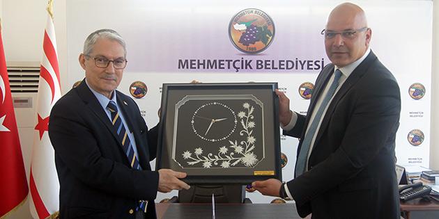 Büyükelçi Kanbay, Mehmetçik Belediyesi'ni ziyaret etti