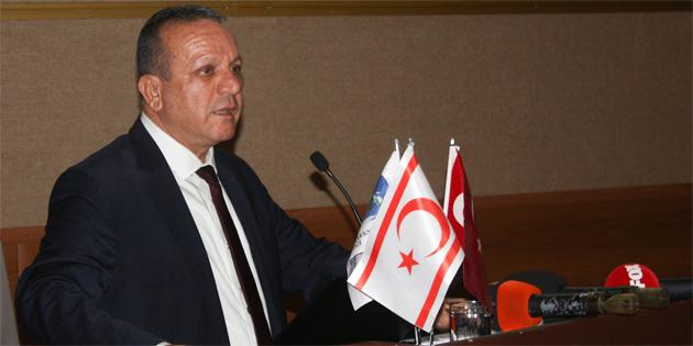 Rauf R. Denktaş ve Dr Fazıl Küçük 1. Uluslararası Kıbrıs Araştırmaları Sempozyumu başladı