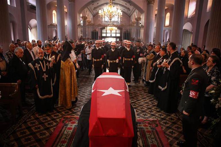 Kıbrıs Gazisine Ermeni Kilisesinde veda