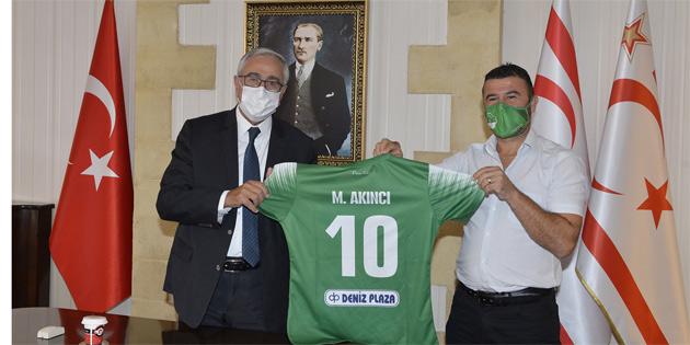 Cumhurbaşkanı Akıncı, Gençlik Gücü Türk Spor Kulübü yönetimini kabul etti
