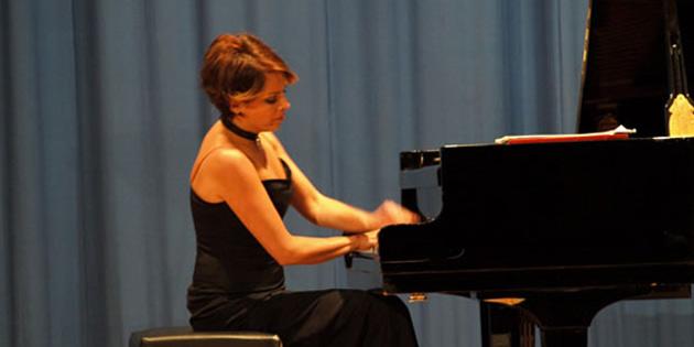 Konser Piyanist Rüya Taner'in üniversite resitalleri başlıyor