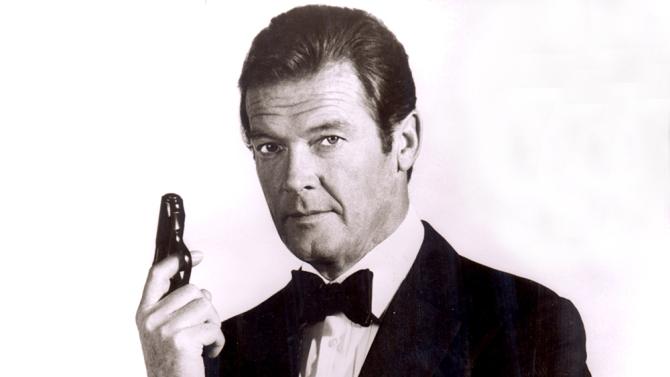 Efsanevi James Bond Roger Moore hayatını kaybetti