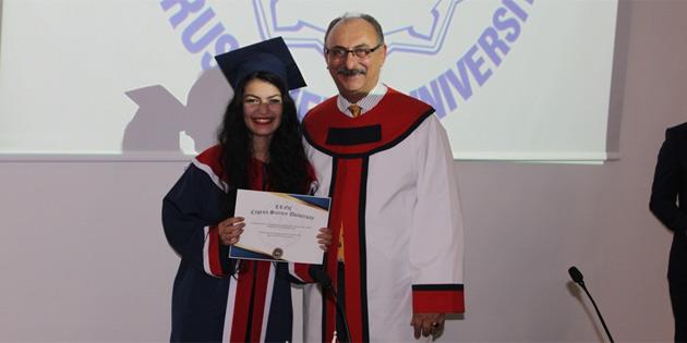 Kıbrıs İlim Üniversitesi'nde mezuniyet töreni