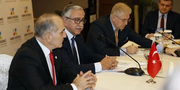 Cumhurbaşkanı Akıncı, Kıbrıs Düşünce Platformu'nun aylık olağan sohbet toplantısına katıldı