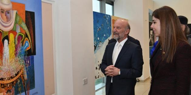 Kazak sanatçıların karma resim sergisi YDÜ'de açıldı