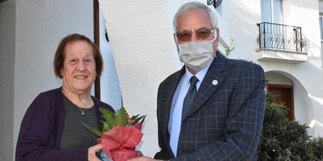 Girne Belediye Başkanı Güngördü öğretmenleri ziyaret etti