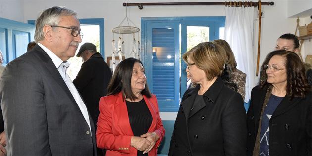 Bağlıköy'de 'Ambelikou Guest House'u Cumhurbaşkanı Akıncı açtı