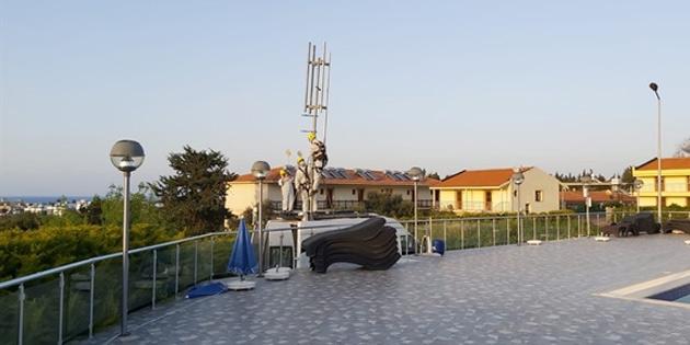 Yurt dışından gelen öğrencilerin konakladığı bölgeye mobil baz istasyonu kurularak, sinyaller güçlendirildi