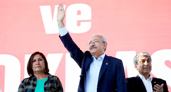 TAKS�M'DE 'CUMHUR�YET VE DEMOKRAS� M�T�NG�'
