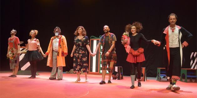 14. K�br�s Tiyatro Festivali devam ediyor