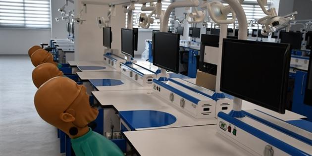 DAÜ Diş Hekimliği Fakülte binası ile Dr. Fazıl Küçük Tıp Fakültesi Klinik Uygulama Merkezi törenle açılıyor